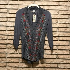 Small Anthropologie tiny blouse gray w/ embroidery